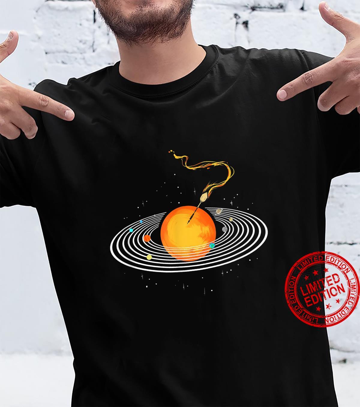 Dartspieler Darts Spielen Darten Sonnensystem Dartscheibe Shirt