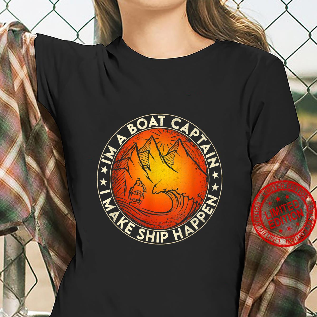 Funny Boating I'm the Boat Captain Boat Owners Retro Vintage Shirt ladies tee