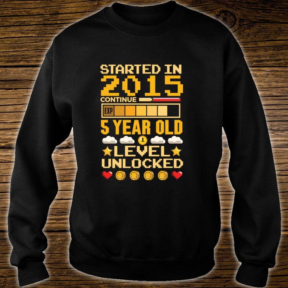 5th Birthday Gamer Started In 2015 Level Unlocked Boys Shirt sweater